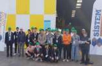 Meslek lisesi öğrencilerine fabrikalarının kapısını açtı