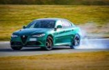 Alfa Romeo, yenilenen Giulia ve Stelvio Quadrifoglio'yu duyurdu