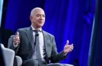 AMAZON'UN KURUCUSU JEFF BEZOS CEO'LUK GÖREVİNDEN AYRILIYOR
